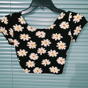 black flower top with open back! brand / la hearts